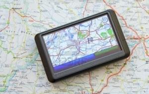 7646813-sistema-de-navegacion-en-un-mapa-de-carreteras