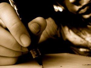 alumno_escribiendo