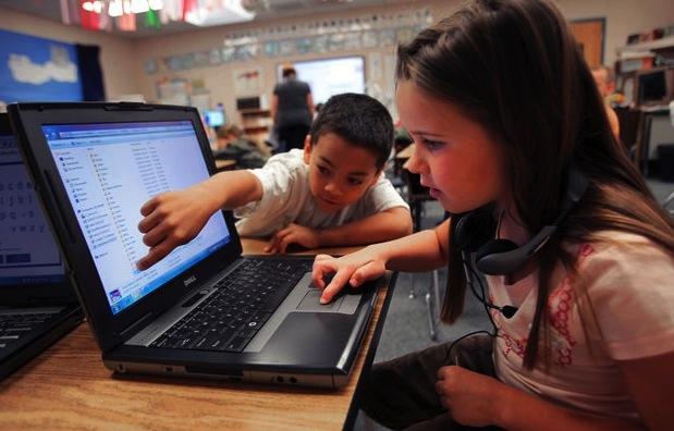 uso-computadoras-portatiles-clase-mejoran-rendimiento-escolar_1_862906