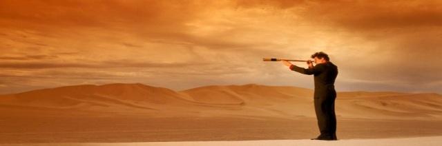 348-homem-olhando-no-horizonte-e-no-deserto-capa-para-facebook-linha-do-tempo
